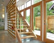 Lesene stopnice in ograje