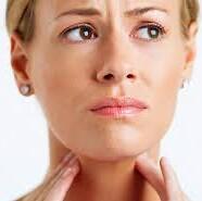Kakšen je lahko vzrok za boleče grlo?