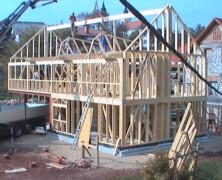 Gradnja hiše je zahtevna naloga v življenju marsikoga