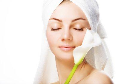 Obraz je pokazatelj zdravja celotnega telesa. Lepo in zdravo kožo obraza ohranjamo s pravilno nego obraza.
